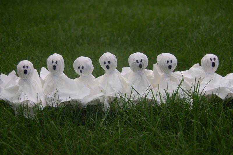 Ghostie lollies