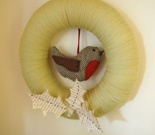 Yarn robin wreath