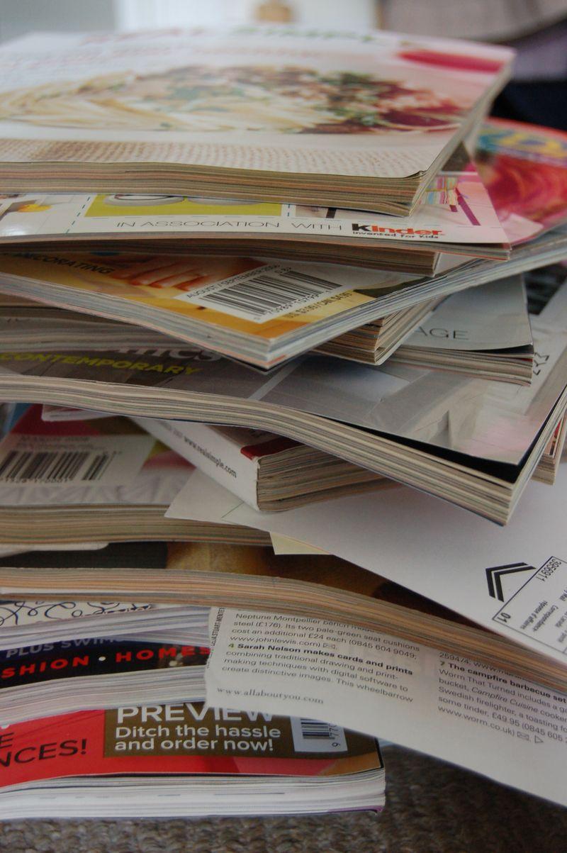 Magazine tossing pile